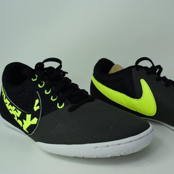 46a697e1d Men s Nike ELASTICO Pro III IC Soccer 685360-001